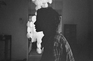 alone-beautiful-black-and-white-girl-lonely-Favim.com-356698